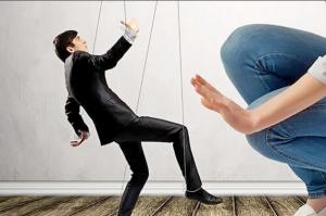 Хотите узнать, как манипулировать мужчиной с помощью слов?